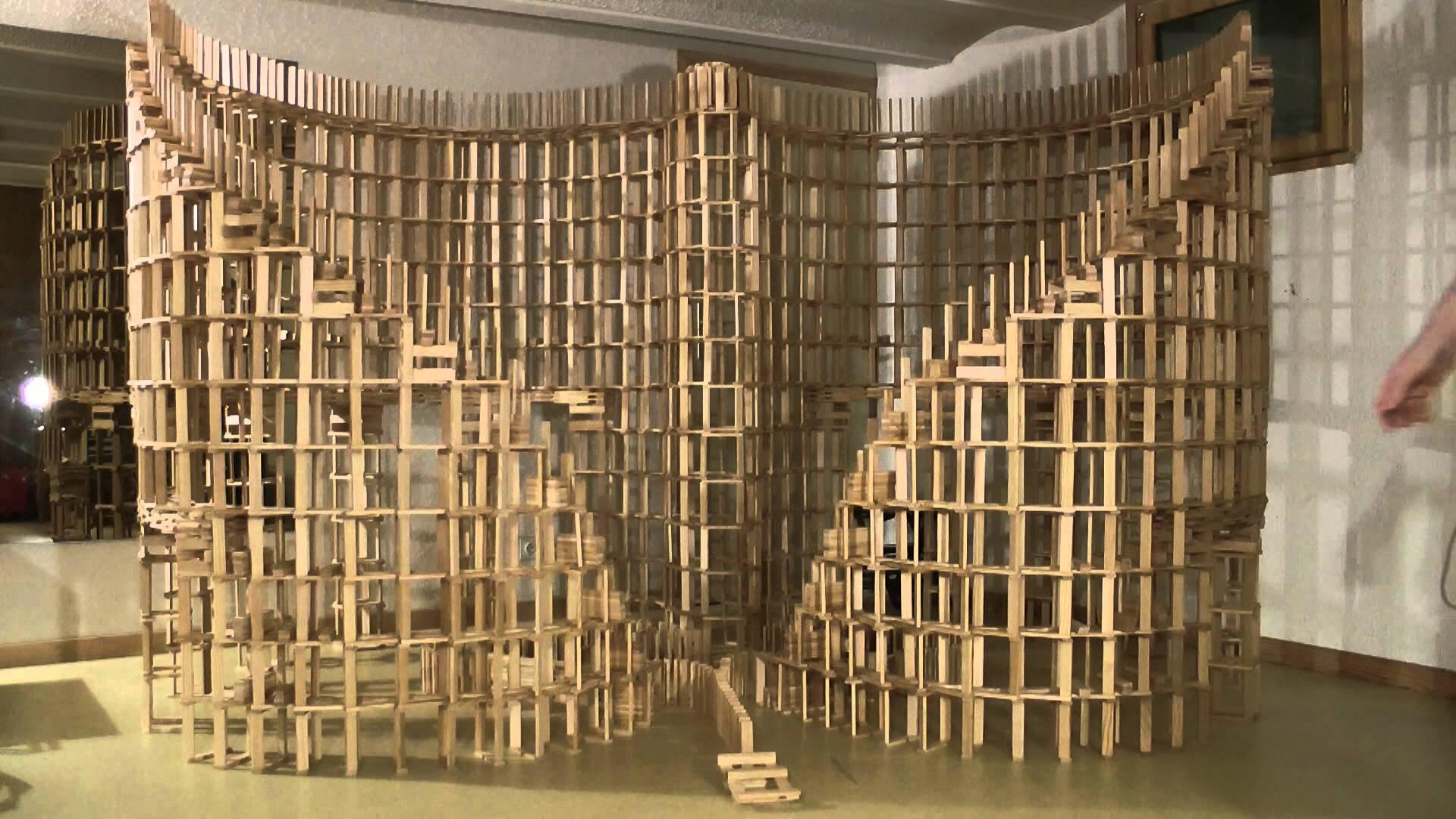 PETITS CONSTRUCTORS (I) BENEFICIS DEL JOC